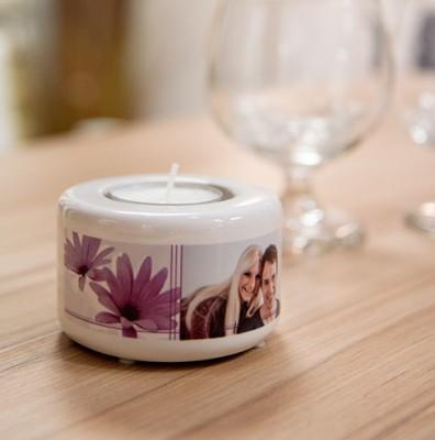 Keramik Kerzen- Teelichthalter auf Tisch