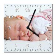 Hartfaser-Wanduhr quadratisch bedruckt Baby