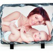 Schiefertafel in Rechteckform bedruckt Mutter Kind