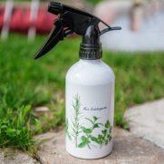 Aluminium-Sprühflasche 400 ml Farbe Weiß im Garten grün bedruckt